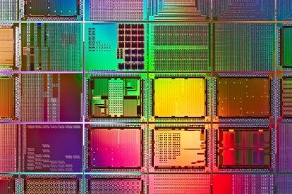Plano microscópico de un microchip