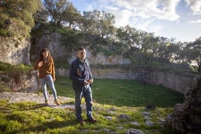 Historiadores de la Universidad de Cádiz investigan un posible gran templo dedicado al agua en en Sierra Aznar, Arcos de la Frontera