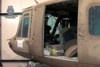 Uno de los helicópteros Bell-212 incautados por la Policía en Navas del Rey (Madrid).