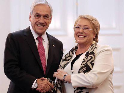 El presidente de Chile, Sebastián Piñera, y su predecesora, Michelle Bachelet.