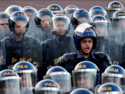 Policías filipinos en una ceremonia de 2018.