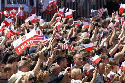 Según las autoridades polacas, más de 15.000 personas siguieron el discurso de Trump en la plaza Krasinski.