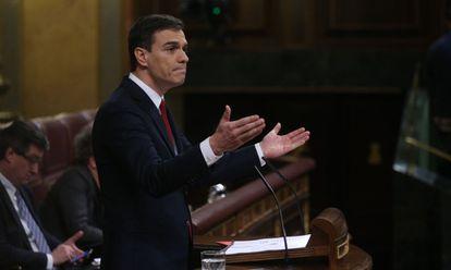 Pedro Sanchez durante la sesion de investidura este viernes.