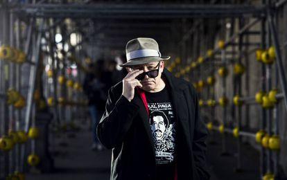 El cantante del grupo Siniestro Total, Julián Hernández, durante la entrevista en Madrid.