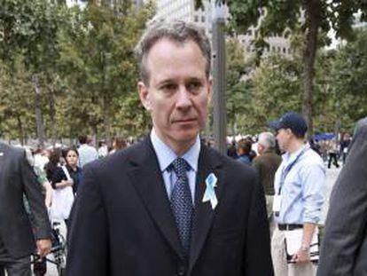Fotografía tomada en septiembre de 2011 en la que se registró a Eric Schneiderman, fiscal general del estado de Nueva York, quien informó que su oficina ha alcanzado un acuerdo con Bank of America, para que en 120 días cumpla con todos los puntos del Acuerdo Nacional Hipotecario. EFE/Archivo