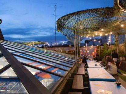 La terraza de El Paracaidista.