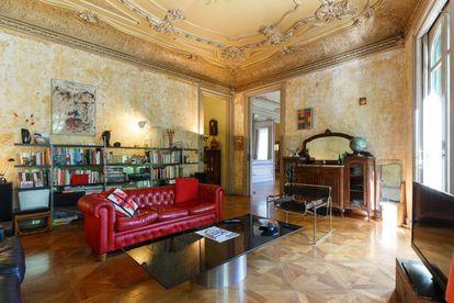 Uno de los salones del piso en Casas Ramos, una de las localizaciones de la tercera temporada de 'Killing Eve'. |