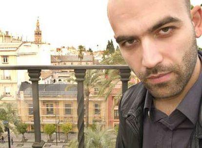 Roberto Saviano, ayer en la terraza del hotel en el que estaba alojado en  Sevilla.
