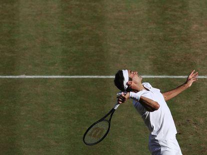 Federer, durante el partido ante Raonic.