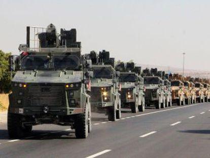Los civiles huyen de las localidades fronterizas atacadas por la aviación turca
