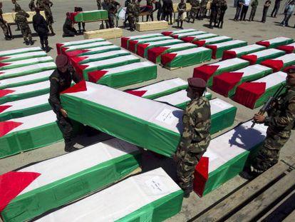 Las decenas de cadáveres de milicianos devueltos, en Ramala.
