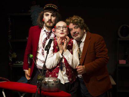 Miquel Malirach, Carme González y Manel Dueso, en el espectáculo.