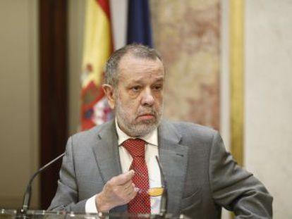 El Informe Anual del organismo que dirige Fernández Marugán cree que  cuasi congelar las pensiones  puede ser inconstitucional