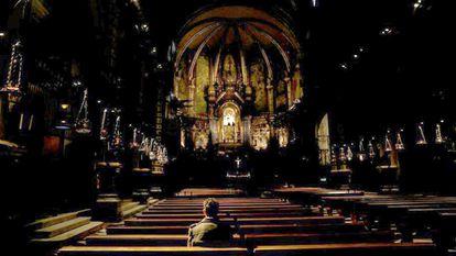 Una víctima de la violencia planteada en la iglesia de la Abadía de Montserrat, en la provincia de Barcelona.