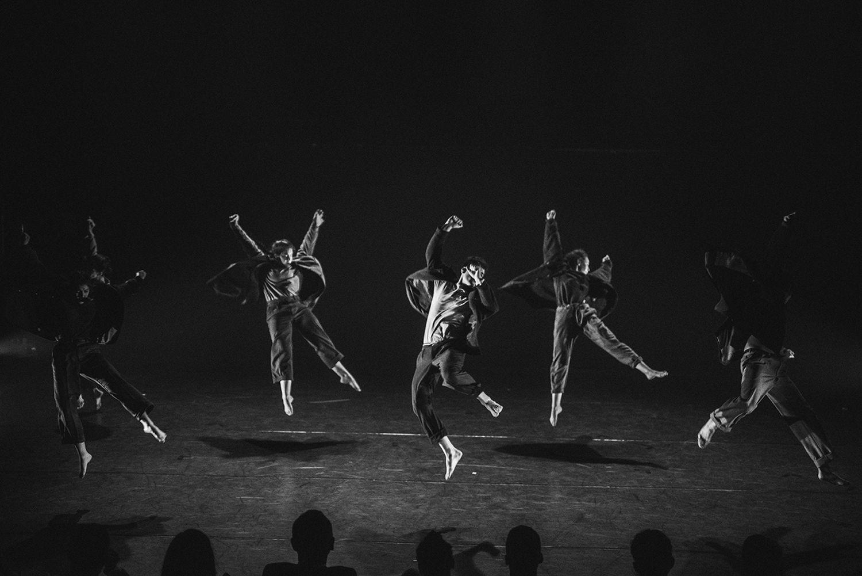 Los bailarines de la Sara Sánchez en la obra 'Kausto' en la sala Mirador de Madrid en diciembre 2019.