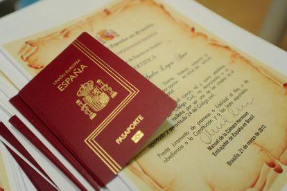 Concesión de pasaportes españoles a ciudadanos brasileños.