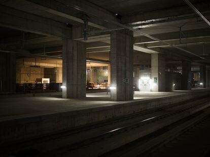 Interior de la estación de la Sagrera, en Barcelona.