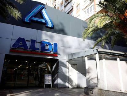 Fachada de un supermercado Aldi, en Madrid.