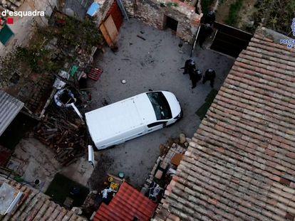 La policía ha detenido al autor de un asesinato que permanecía oculto en una masía del Penedès.