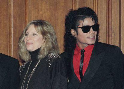 Barbra Streisand y Michael Jackson en 1986.