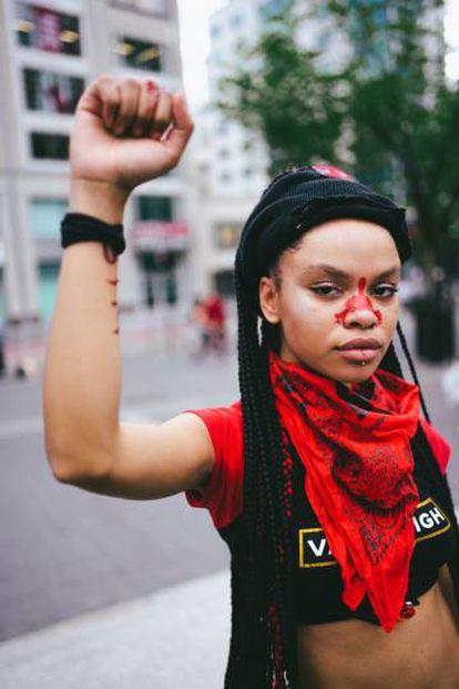 Livia Rose Johnson, una de las caras más visibles de las movilizaciones masivas contra el racismo.