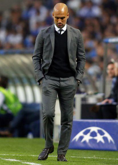 Guardiola, durante el partido en Oporto.
