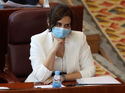 La presidenta de la Comunidad de Madrid, Isabel Díaz Ayuso, durante la segunda sesión del debate sobre el estado de la región, celebrada este martes en la Asamblea de Madrid.