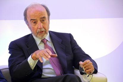 Juan Arena, expresidente de Bankinter, en una mesa redonda en 2015.