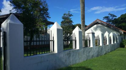 Parte de la estructura del antiguo palacio del gobernador español en la ciudad de Agaña, en Guam.