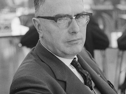 Max Euwe fue un ajedrecista neerlandés, quinto campeón del mundo entre 1935 y 1937.