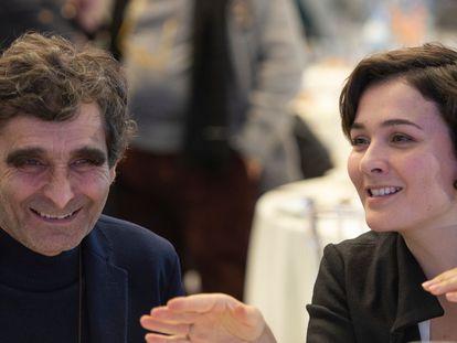 Adolfo Domínguez y su hija Adriana Domínguez, en un acto público celebrado en Ourense.