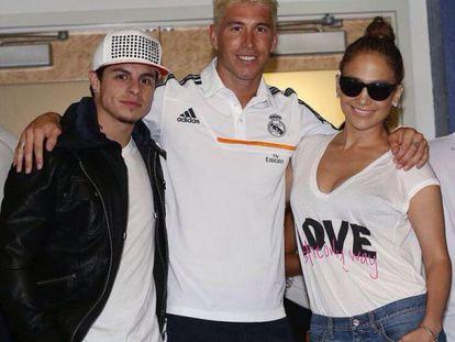 La fotografía con Jennifer López y Casper Smart que subió a su Twitter el jugador Sergio Ramos.