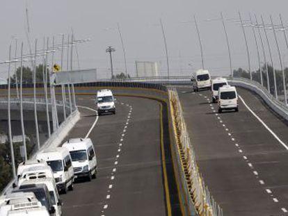 El suceso se produjo de madrugada cuando la familia viajaba en una camioneta desde la capital a Puebla