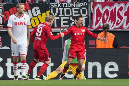 "Javier ""Chicharito"" Hernández festeja su gol 16 en Bundesliga ante el Koln."