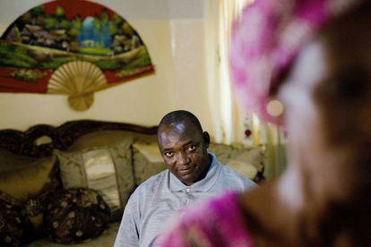 El presidente electo de Gambia, Adama Barrow, en su residencia de Yundum.