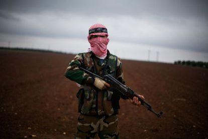 Un rebelde del Ejército Libre Sirio el 10 de diciembre de 2012.