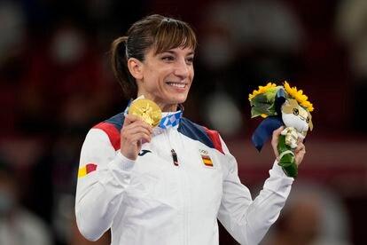 La karateca Sandra Sánchez se colgó la medalla de oro al ganar en kata.