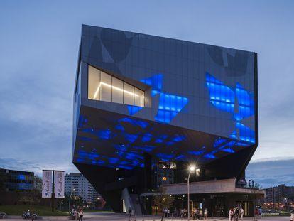 Caixa Forum Zaragoza, una de las creaciones de Pinós.