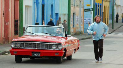 Gary Piquer (en el coche) y Jouko Ahola, en <i>Mal día para pescar.</i>
