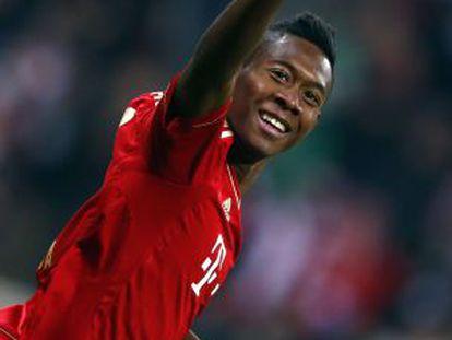 Alaba celebra un gol ante el Schalke 04