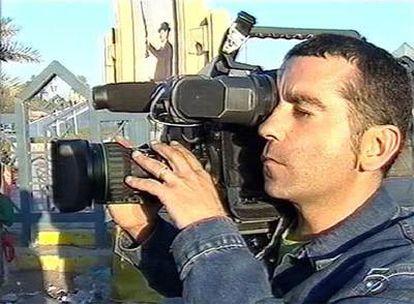 Imagen de archivo del cámara de Tele 5 asesinado en Bagdad el 8 de abril de 2003.
