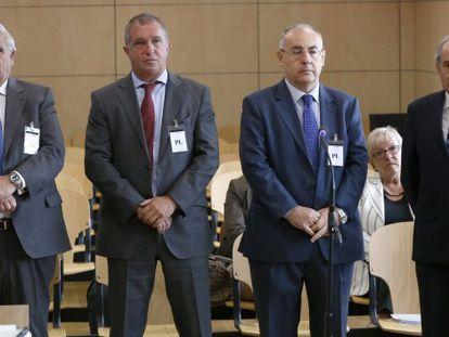 La excúpula de Caixa Penedès defiende ante el juez sus pensiones millonarias