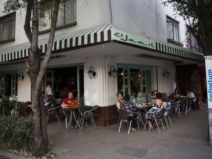 Restaurante de comida árabe El Jamil, en la Condesa.