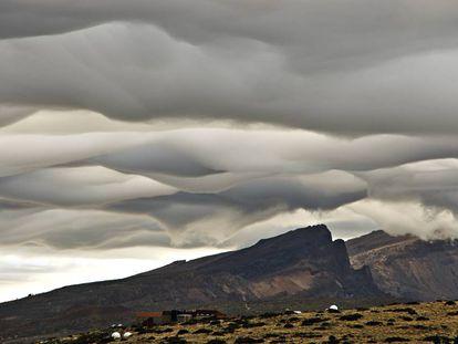 Altostratus asperitas, en el Observatorio Atmosférico de Izaña (Tenerife).