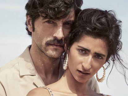 Los actores Javier Rey y Alba Flores.