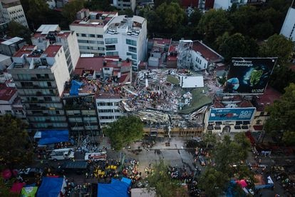 Vista aérea de los daños causados por el terremoto que sacudió Ciudad de México en septiembre de 2017.