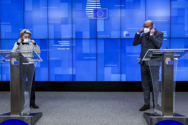 La presidenta de la Comisión Europea, Ursula von der Leyen, y el presidente del Consejo Europeo, Charles, Michel, en Bruselas el pasado 19 de noviembre.