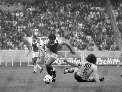 Delio Onnis, en una imagen de archivo durante la final de la Copa de Francia que enfrentó al Mónaco y al Orleans en el Parque de los Príncipes.