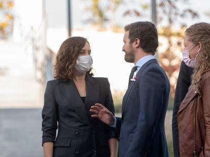 La presidenta de la Comunidad de Madrid, Isabel Díaz Ayuso, y el presidente del PP, Pablo Casado, el 19 de octubre en Madrid.