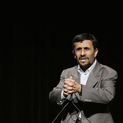 Ahmadineyad pronuncia un discurso en la Universidad de Columbia, Nueva York, en septiembre de 2007.